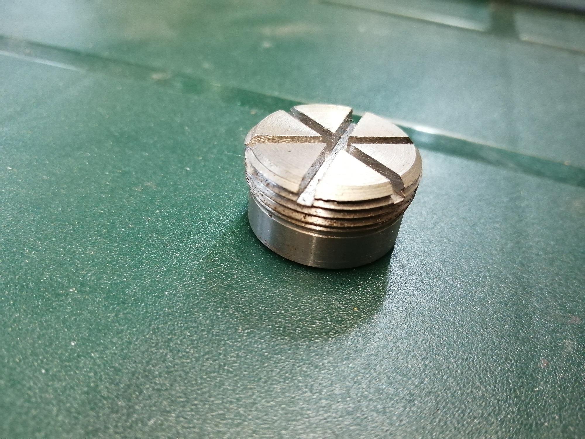 Matice kulového čepu Zetor 25